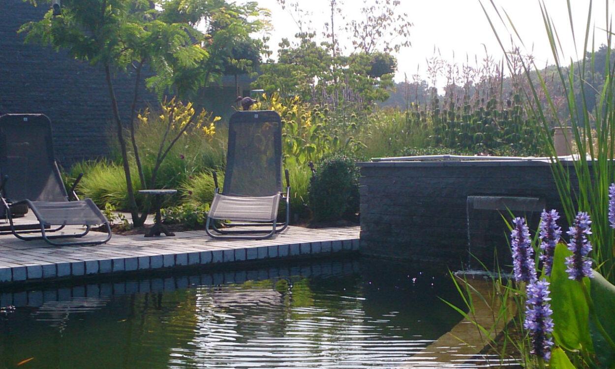 Villatuin met zwemvijver 3