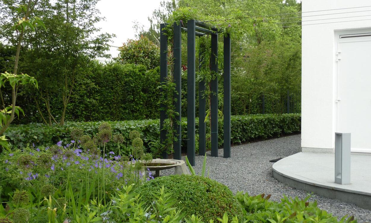 Tuin bij moderne villa 4