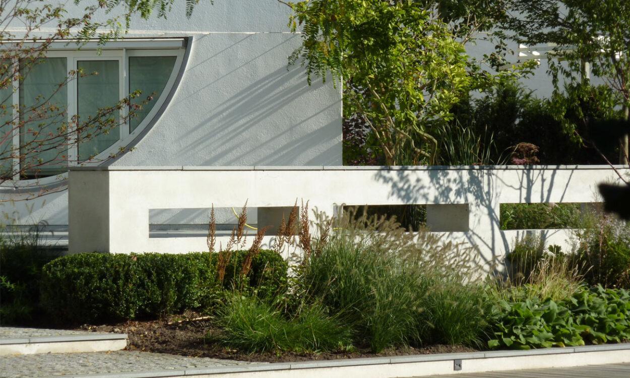 Tuin bij moderne villa 5